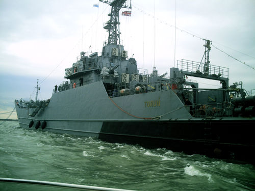 Visiting_polish_warship_orp_torun_in_cowes_roads